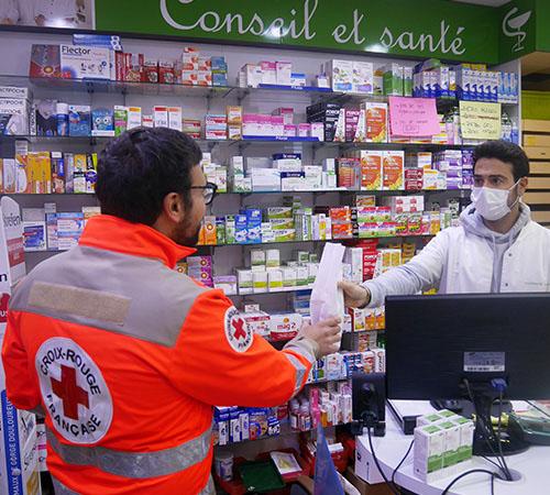 """1 commande sur 5 passée auprès de """"Croix-Rouge chez vous"""" a permis à quelqu'un de recevoir ses médicaments à domicile."""